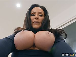 senior dark haired beauty Kendra lust riding spunk-pump