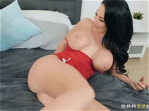 Brooke Beretta bouncing on top