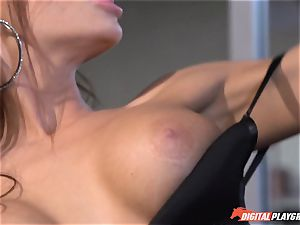Madison Ivy has her puffy cooch speared