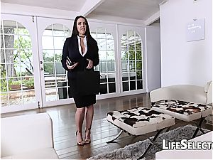 chesty milf Angela white luvs sole fetish