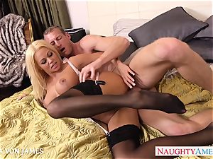 Platinum blondie Nikita Von James rail a thick fuckpole