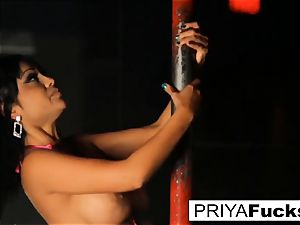 unclothe club spectacle by Indian cutie Priya Rai