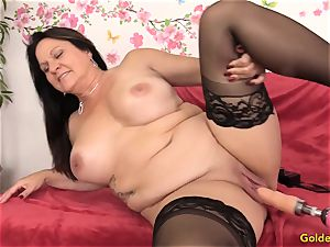 Mature Leylani spear porked by a Machine