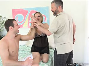 Mona Wales Turns Her hubby Into perfect lollipop deep-throater