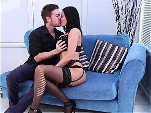 Jasmine Jae gives her hubby a welcome home surprise