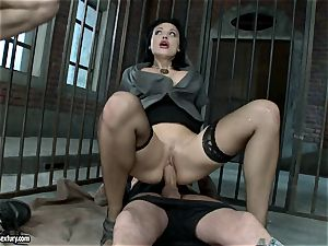 scorching Aletta Ocean alternately pleasing two chisels with her simmering jaws