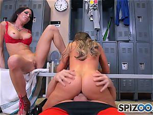 Nikki Benz and Jessica Jaymes screw knob in the locker room