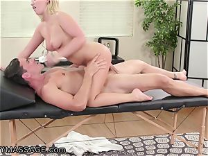 FantasyMassage Bailey Brooke On Top of massagists rod!