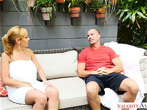 Sean Lawless finds super hot mummy naked in the garden