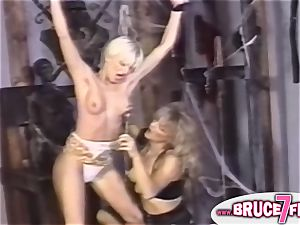 nipple clipped 90s lesbo