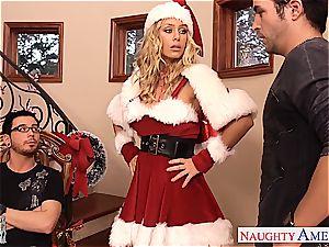 cute Santa stunner Nicole Aniston take two cocks