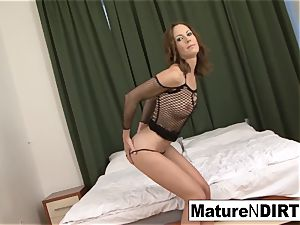 brunette mummy jacks before taking a big black cock