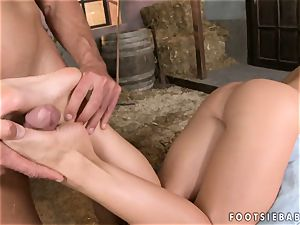 Kathia Nobili lays down and laps up a rock hard stiffy