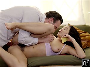 Karlee Grey surprised With super-fucking-hot hookup While On Phone S5:E9
