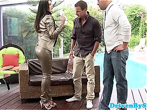 Bigtitted rich babe spitroasted and creamed