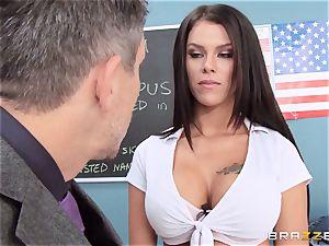 dirty student Peta Jensen penetrates the successful dean