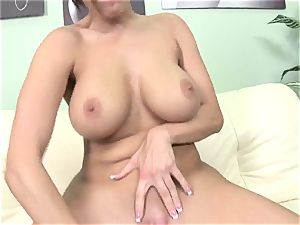 Dylan Ryder juggles her raw cunt on this stiff cock